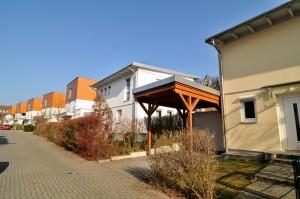 In der Karolingerstraße und dem Merowingerweg wohnen zahlreiche Familien. Fotos: Wolfgang Pfankuch
