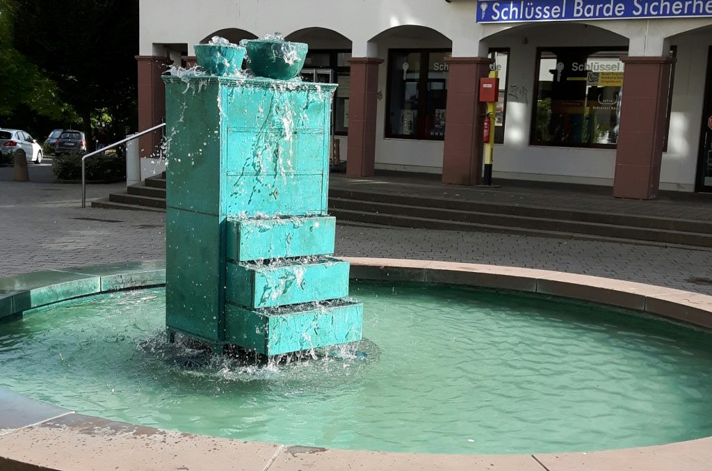 Möbelbrunnen