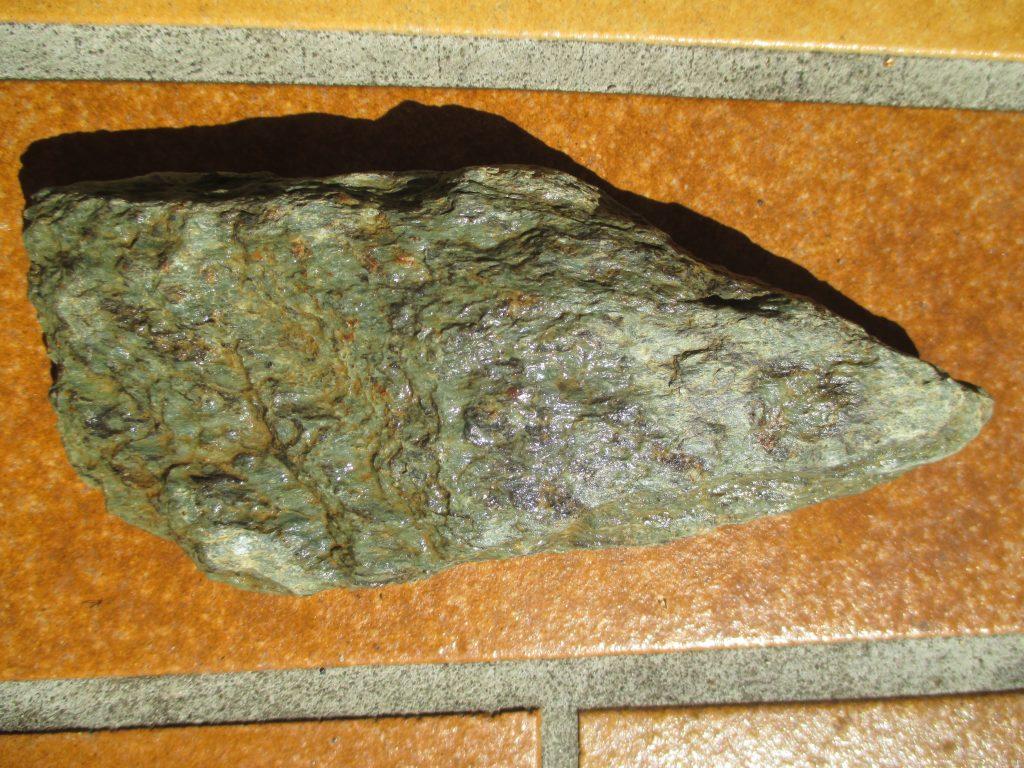 Ob dieser Stein wohl Teil eines Werkzeugs war?